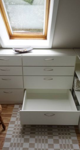 Commode met laden op maat in wit